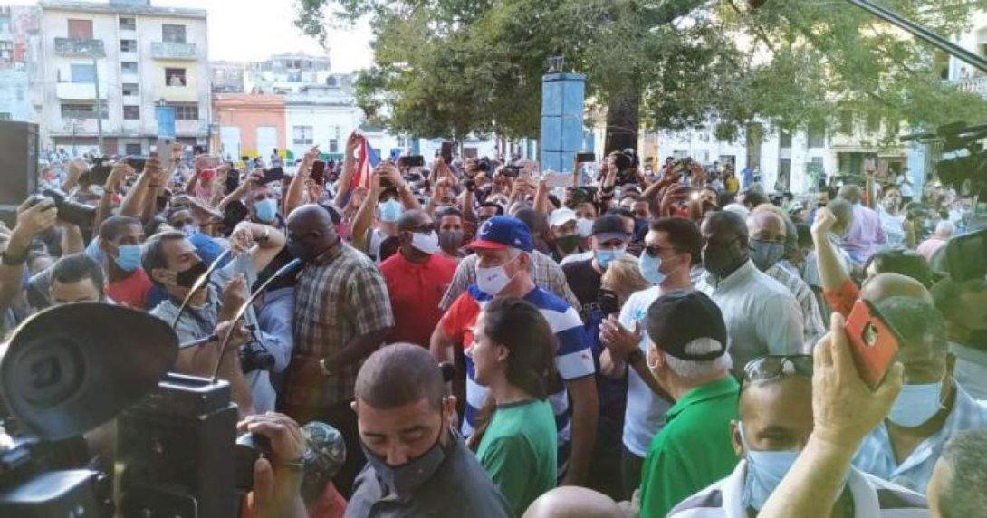 Movilización oficialista en el Parque Trillo