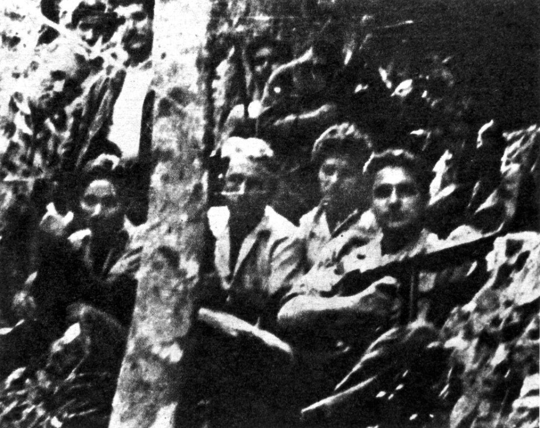 Fernando Pruna y sus compañeros alzados. Foto tomada por Peter Lambton, septiembre de 1959.