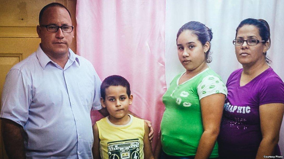 Ramón Rigal y Ayda Expósito, pastores evangélicos guantanameros, condenados a prisión por tomar la educación de sus hijos.