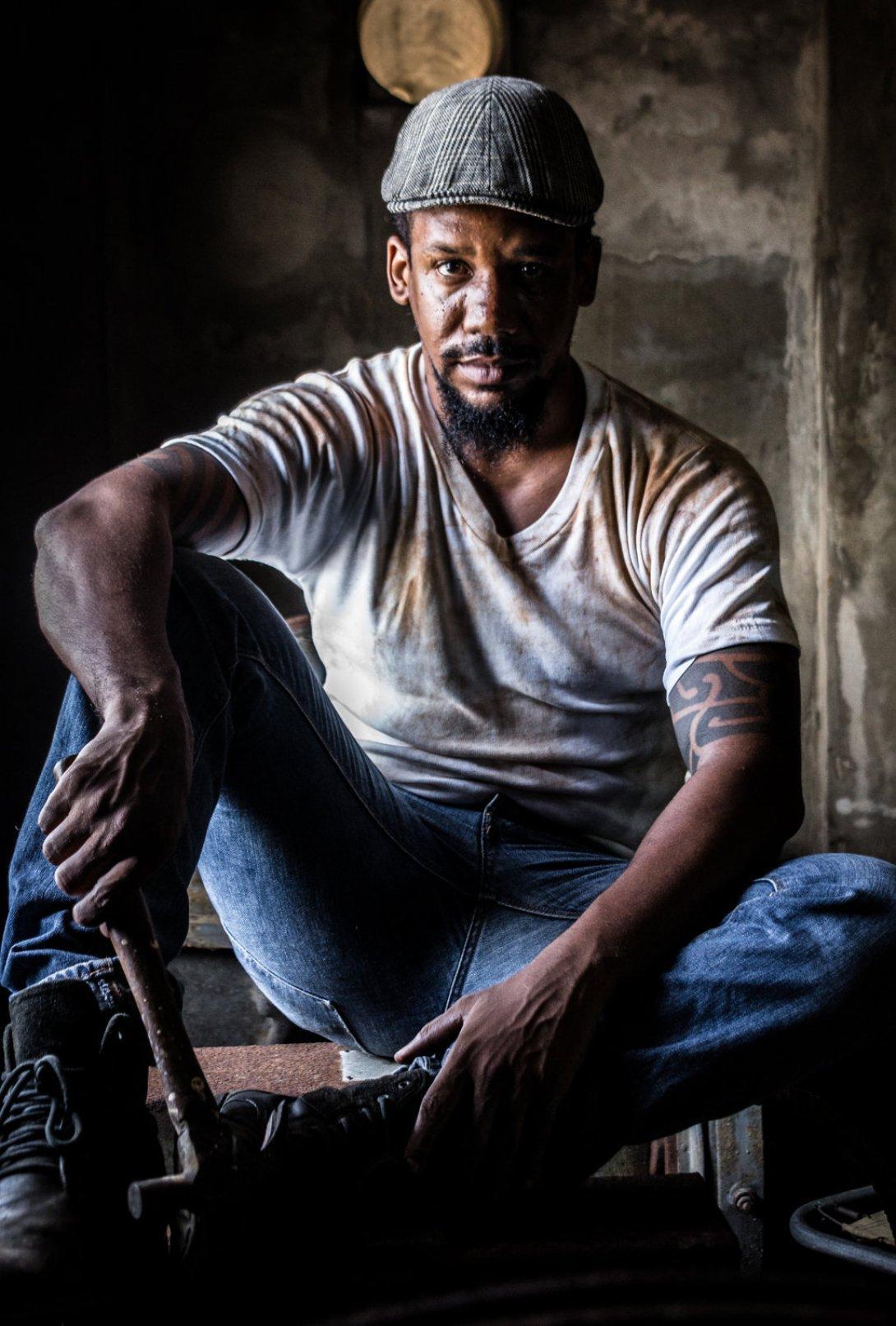 Actor Reynier Morales. Personaje, Eugene Carman. Fotos: Fernando Almeida.