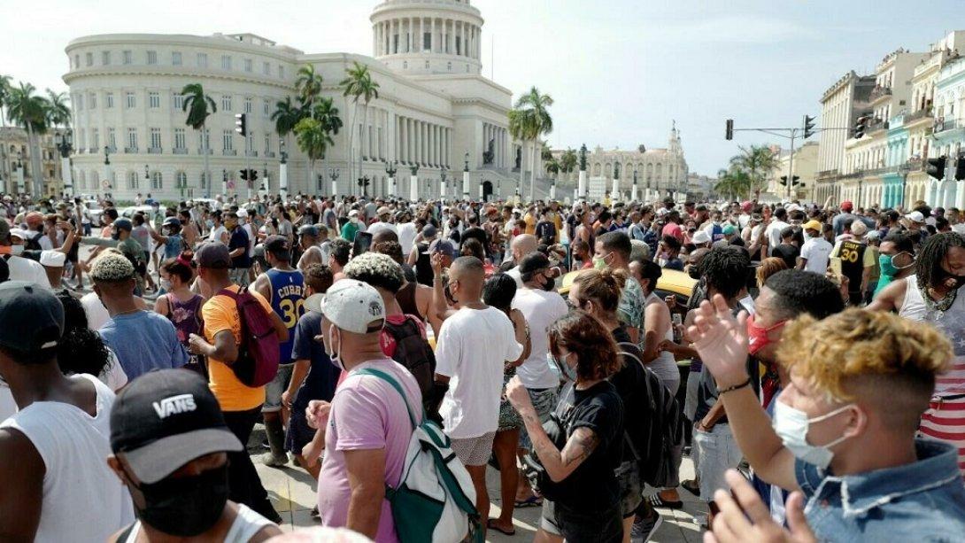Protestas en Cuba. 11 de julio 2021. Frente al Capitolio en La Habana
