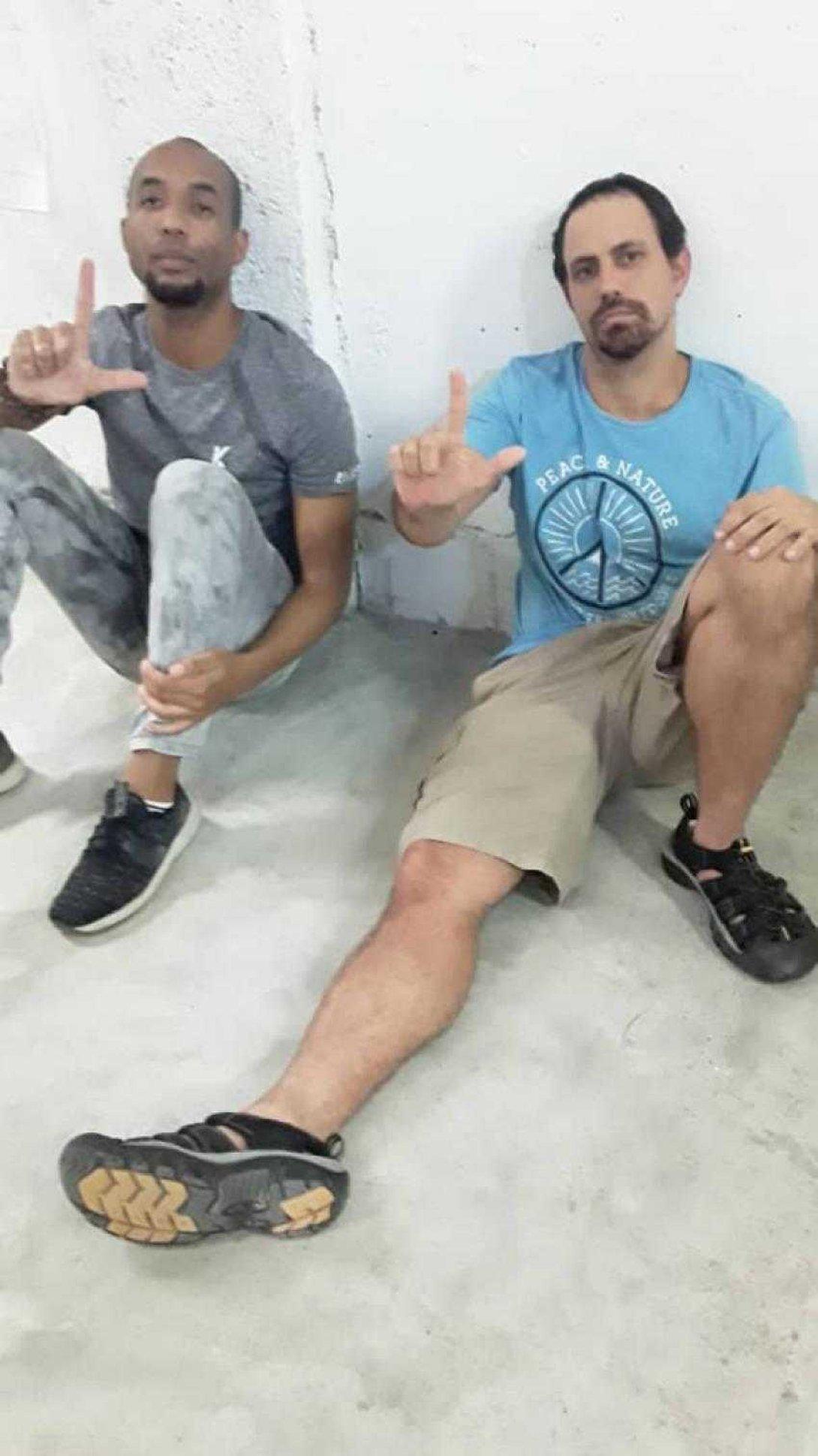 Osmani Pardo y Oscar Casanella, acuartelados en huelga de hambre.