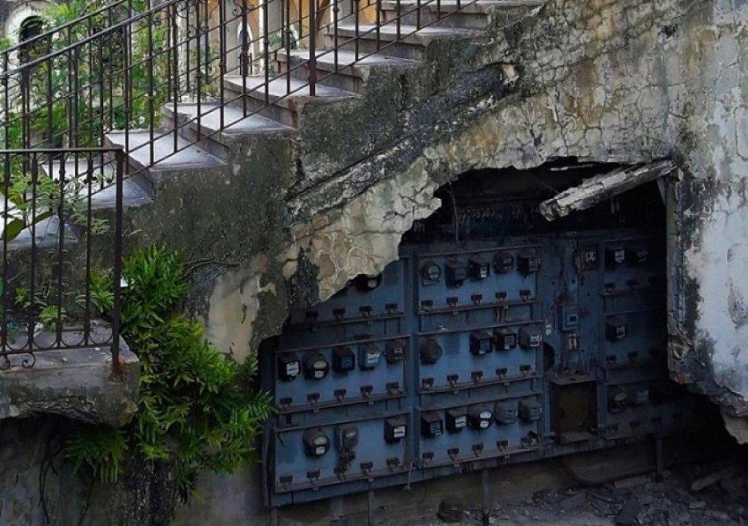Escalera en ruinas