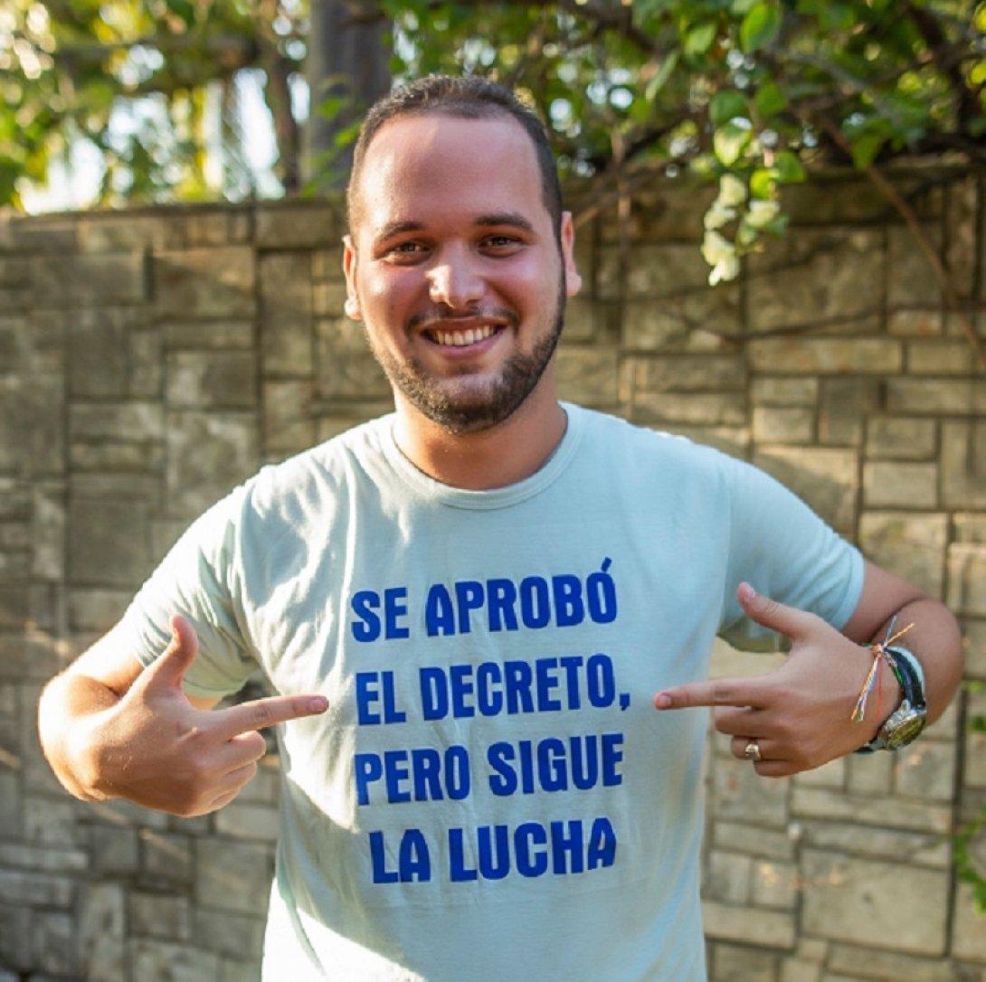 Javier Larrea, activista cubano por los derechos de los animales.