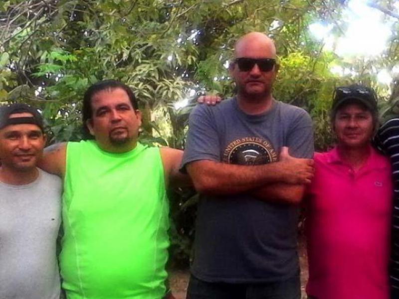 Los escritores cubanos Frank Castell, José Alberto Velazquez, Carlos esquivel, Rafael Vilches, José Luis Serrano